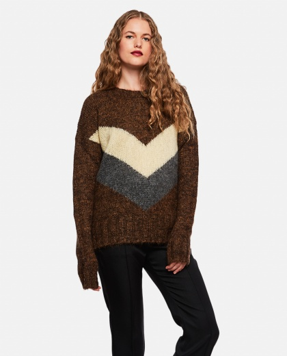 Sweater with brown chevron pattern