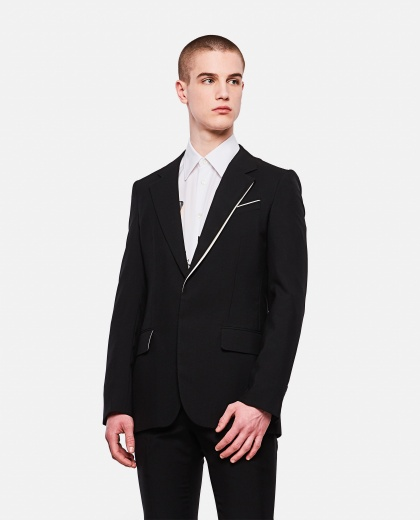 Single-breasted black blazer