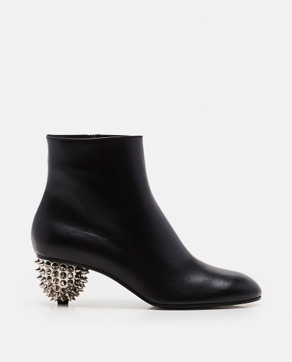 Ankle boot heel and studs