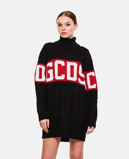 Sweater with high neck logo