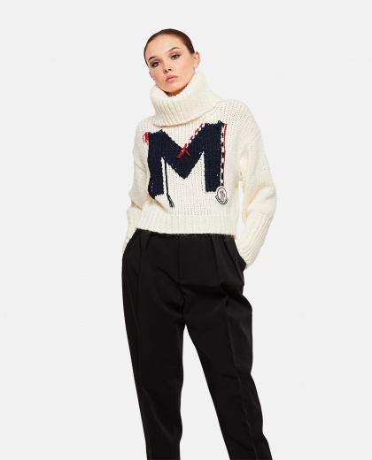 Knitted high-necked knit sweater